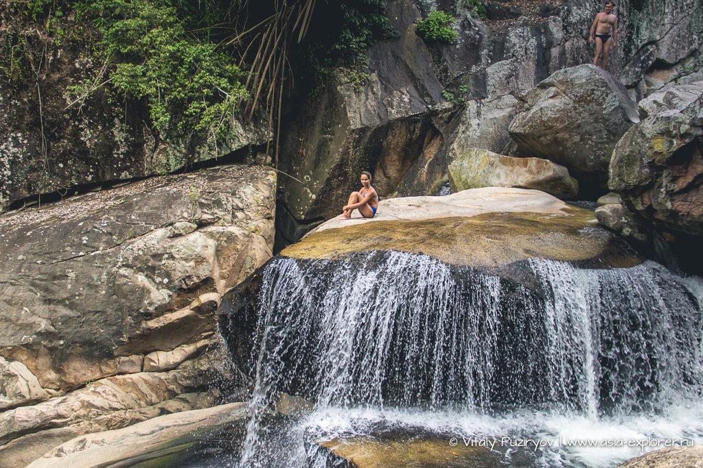 Водопад в джунглях. Вьетнам