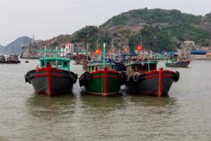 Корабли в бухте Халонг