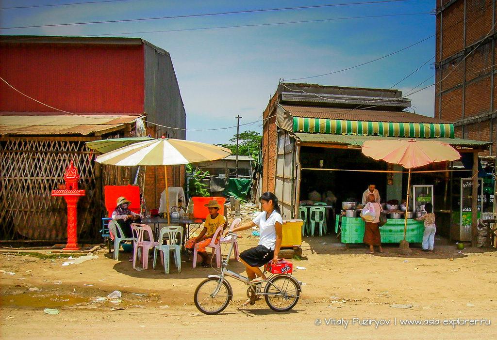 Школьница в Камбодже