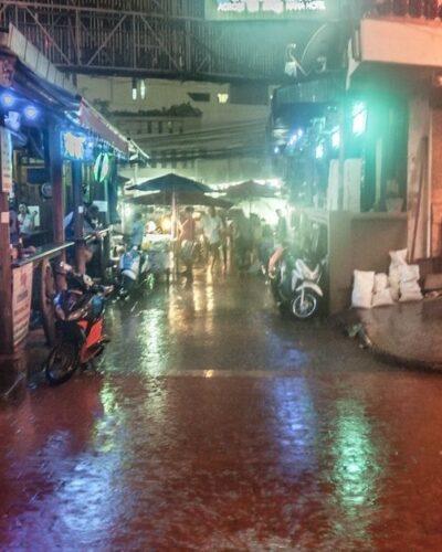 Стоит ли спасать бедных азиаток